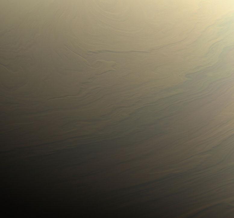 美国宇航局的Cassini Spacecraft意见梦幻般的漩涡