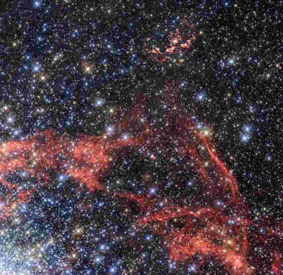 天文学家发现可能与IA型超新星相关的恒星幸存者
